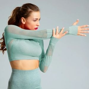 Long sleeve workout top /gym / yoga / sport